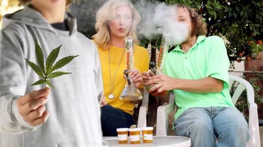 Что делать, если родители употребляют наркотики?