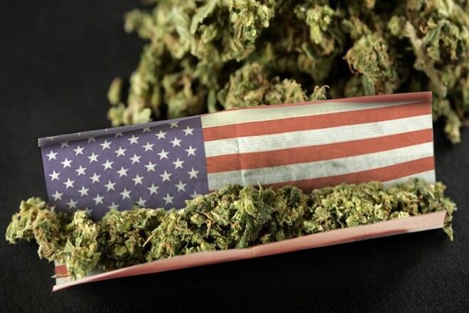 Большинство американцев не против курения марихуаны