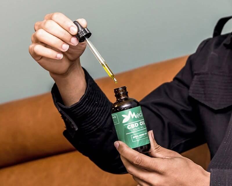 Конопляное масло поможет забыть о сигаретах