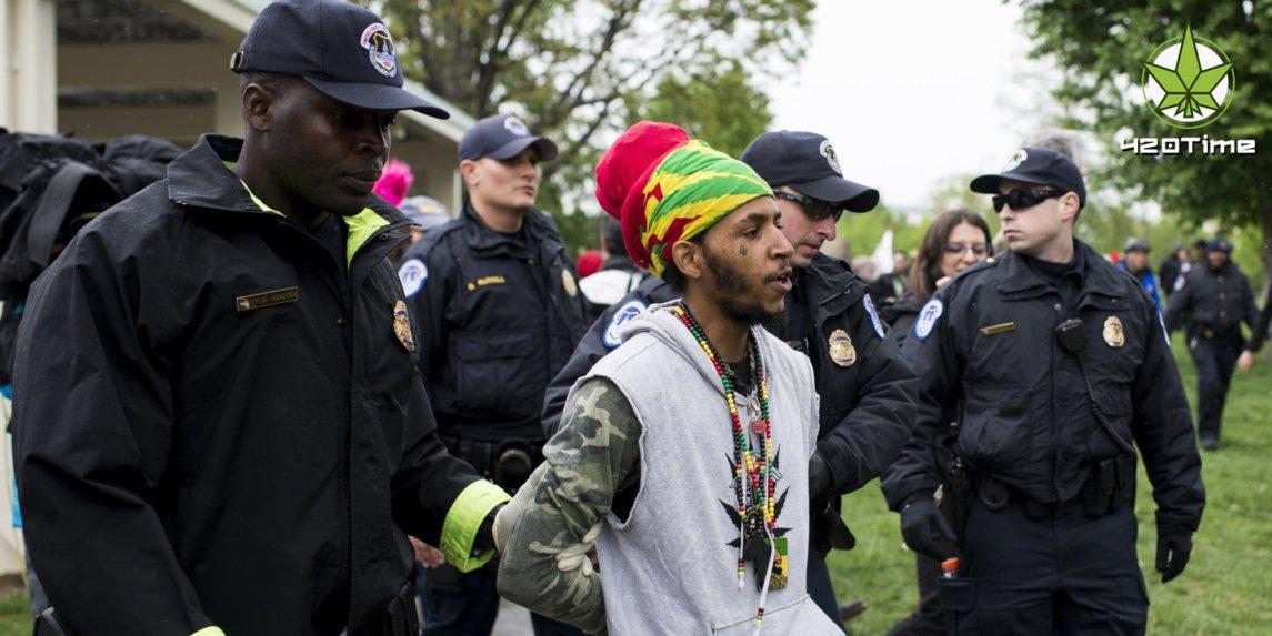 Декриминализация марихуаны в США привела к тому, что полиция лищается информаторов