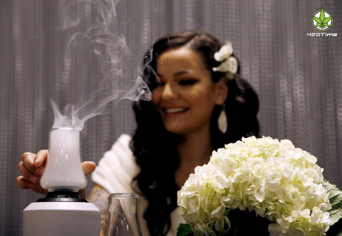 Как устроить свадебную вечеринку с марихуаной
